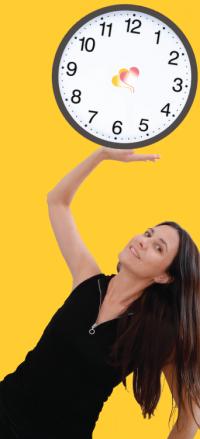 cris-sujeta-reloj-mostaza